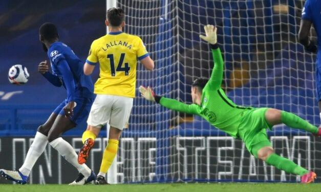 Chelsea traci punkty z Brighton. Mecz z trybun oglądał David Moyes